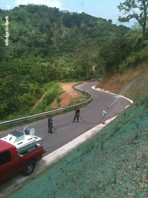 Ridge To Reefs helpd Protectores de Cuencas secure equipment to continue efforts