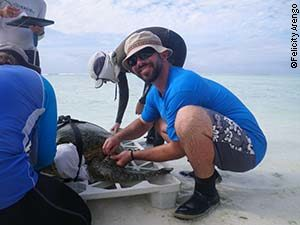 Alex Gaos conducting hawksbill research