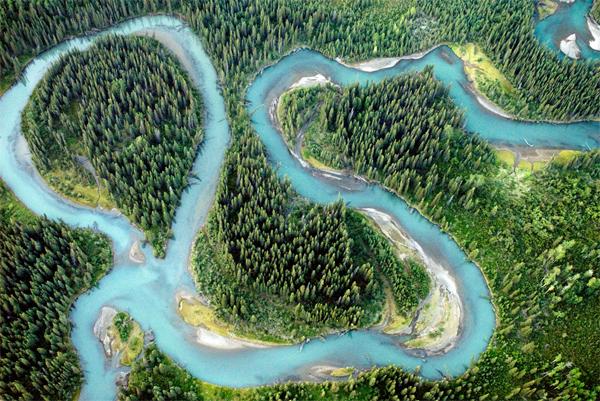 Iskut River meanders ©Paul Colangelo