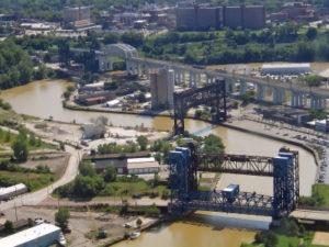 Curving River and Bridges 1600x1200
