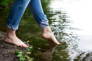 toe in water